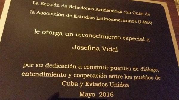 Reconocimiento entregado a Josefina Vidal en LASA. Foto: Tomada de Google