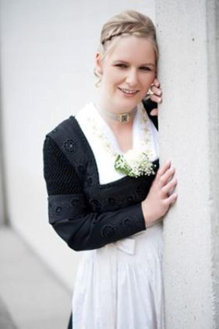 Trachten  Trachtundbraut  Home  Tracht und Braut