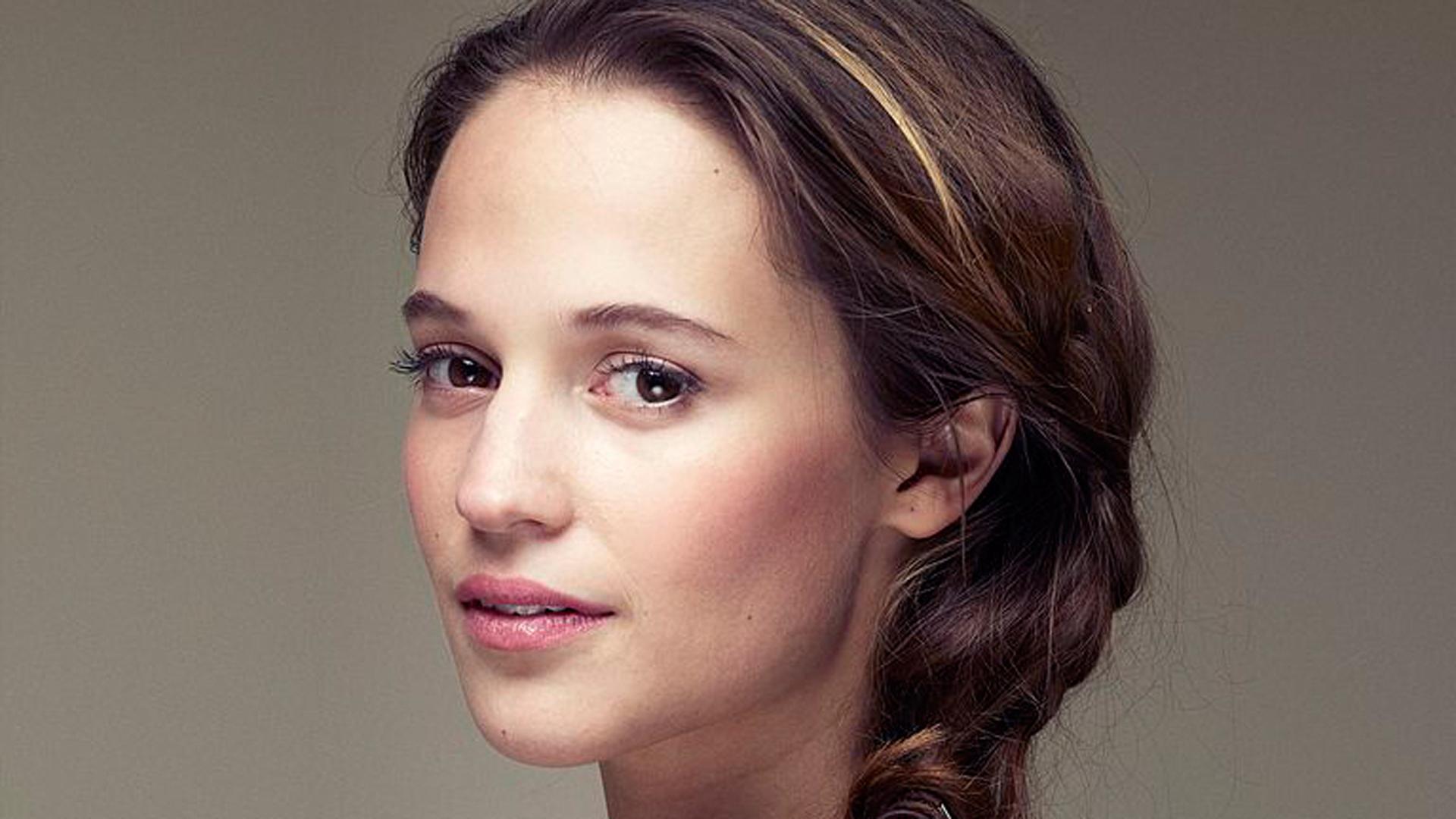 Lara Croft Schauspielerin