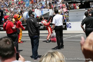 Helio shooting T-Shirts in to the crowd on Carb Day