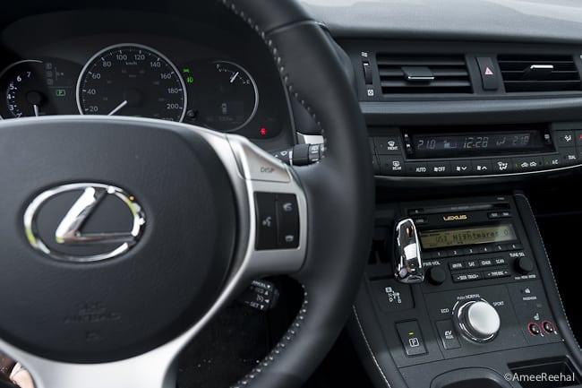 2011 Lexus CT200h Review