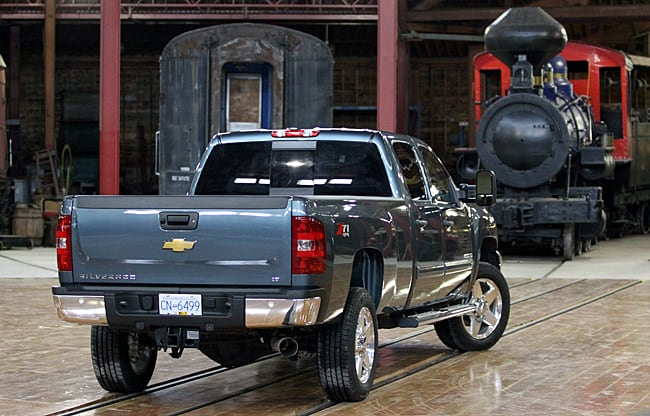 2011 Chevrolet Silverado HD Review rear