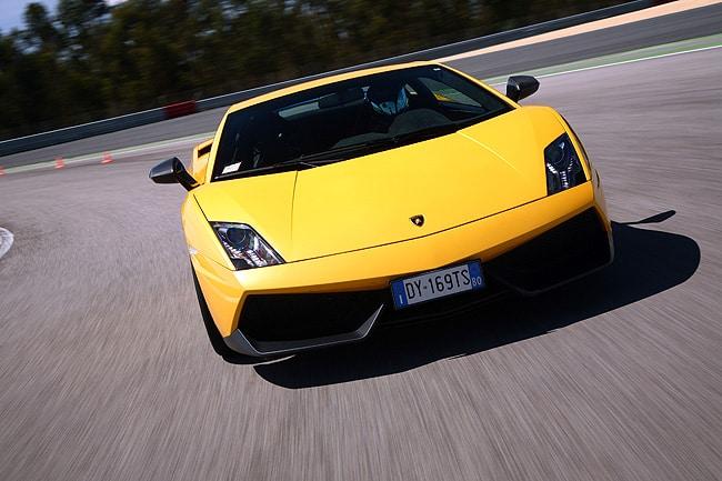 2011 Lamborghini Gallardo LP 570-4 Review