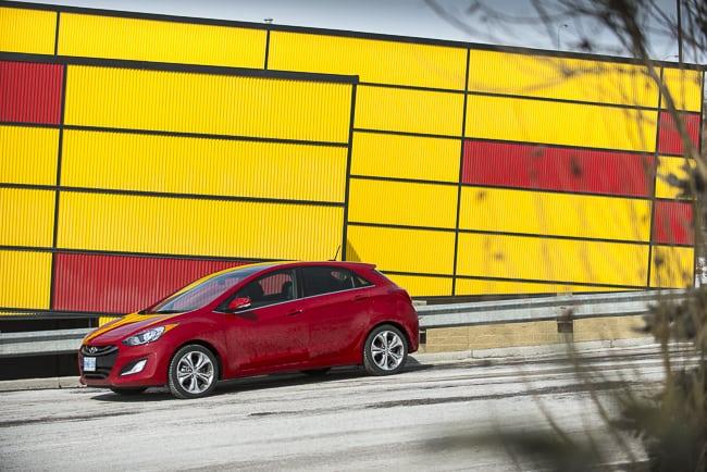 2013-Hyundai-Elantra-GT profile