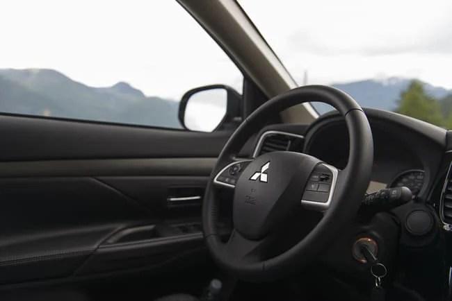 2014 Mitsubishi Outlander review