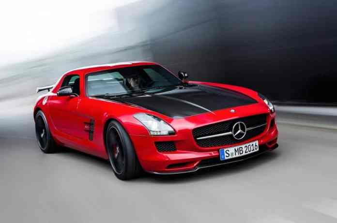 2014 Mercedes-Benz SLS AMG GT Final Edition front rolling