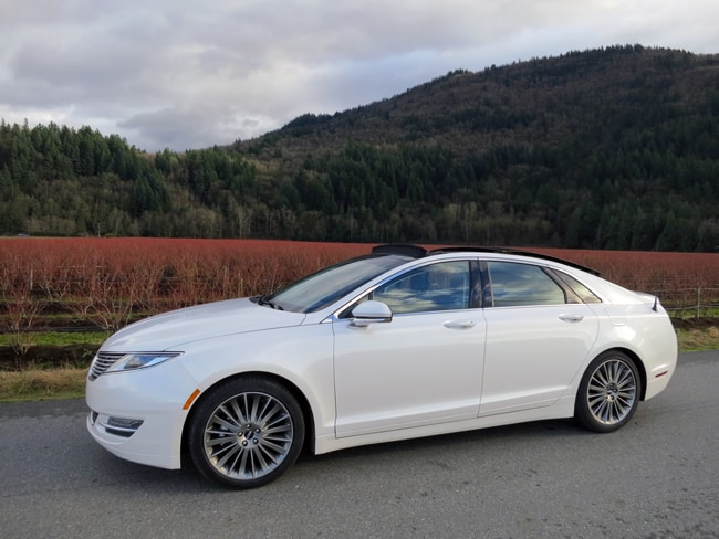 2014 Lincoln MKZ Hybrid Review sideview