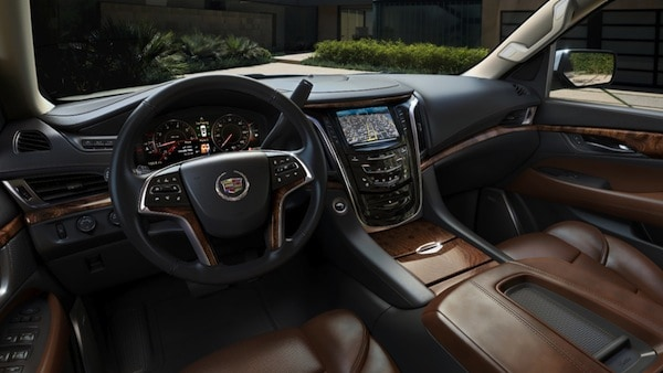 2015-Cadillac-Escalade-interior-dark