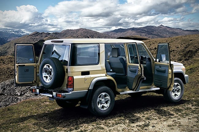 2015-toyota-land-cruiser-70-rear-doors