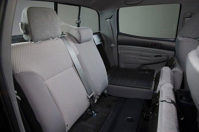 2015_Toyota_Tacoma_V6_4dr_Double_Cab_4WD-seatsup