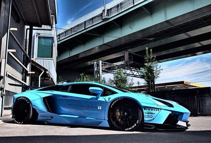 Liberty-Walk-Lamborghini-Aventador-2