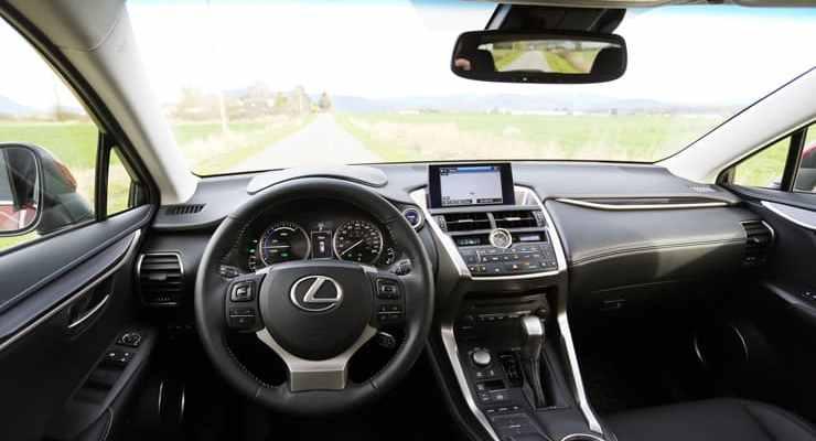 Lexus_NX300h_Dash