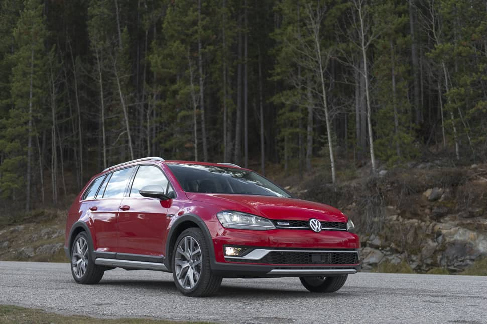 2017-vw-golf-alltrack-review-4