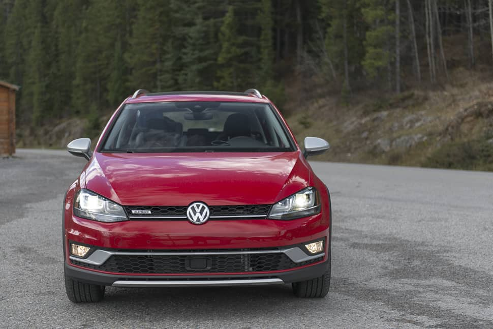 2017-vw-golf-alltrack-review-5