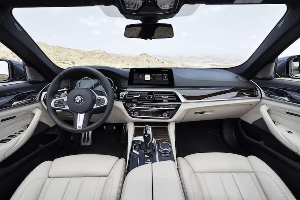 2017 BMW 540i dash