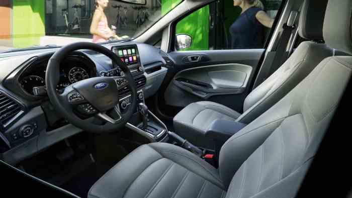 2018 Ford EcoSport interior cabin