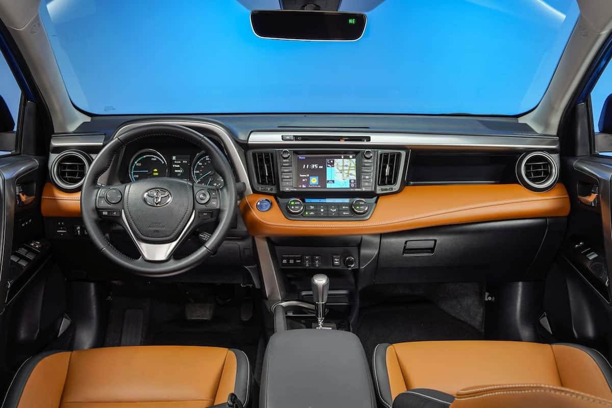 2017 Toyota RAV4 SE Hybrid Review interior 3