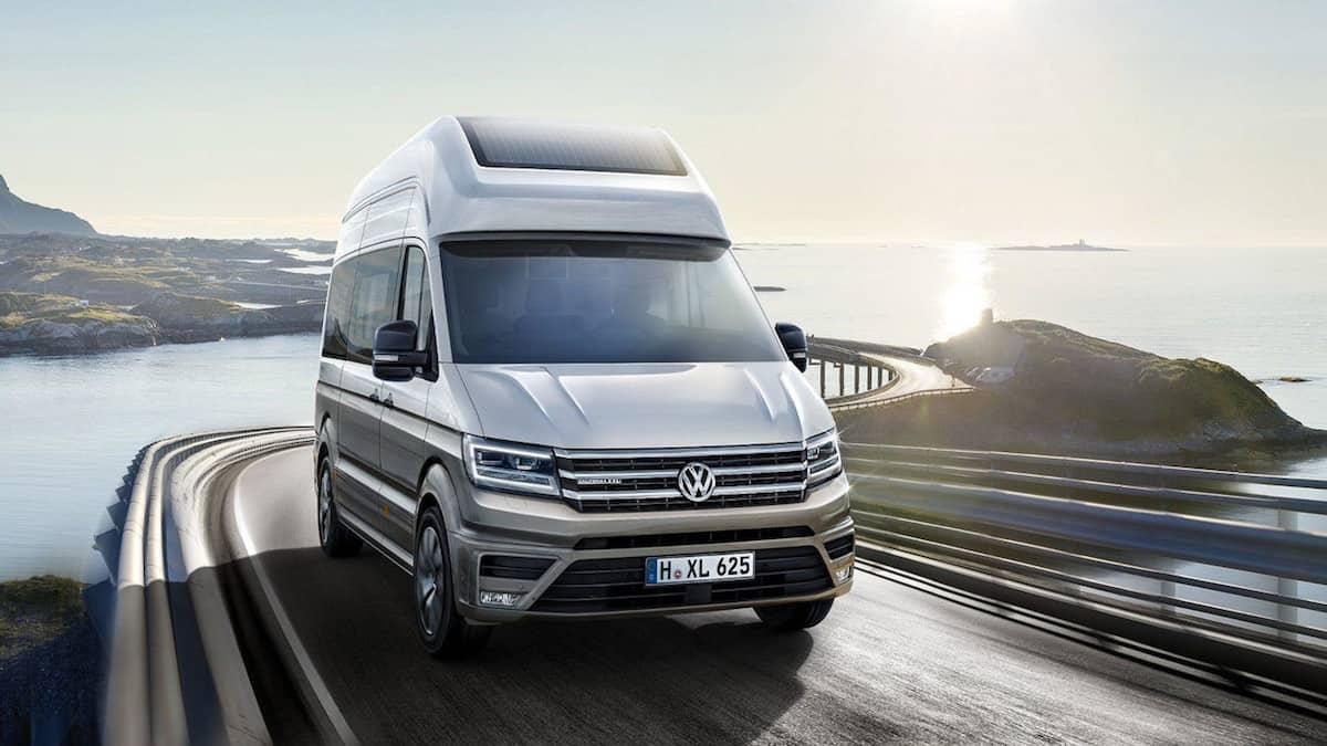 Volkswagen California XXL concept front driving
