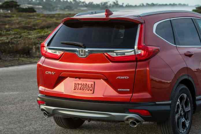 2017 Honda CR-V touring review rear design