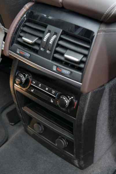 2017 BMW X5 xDrive40e iPerformance review rear controls