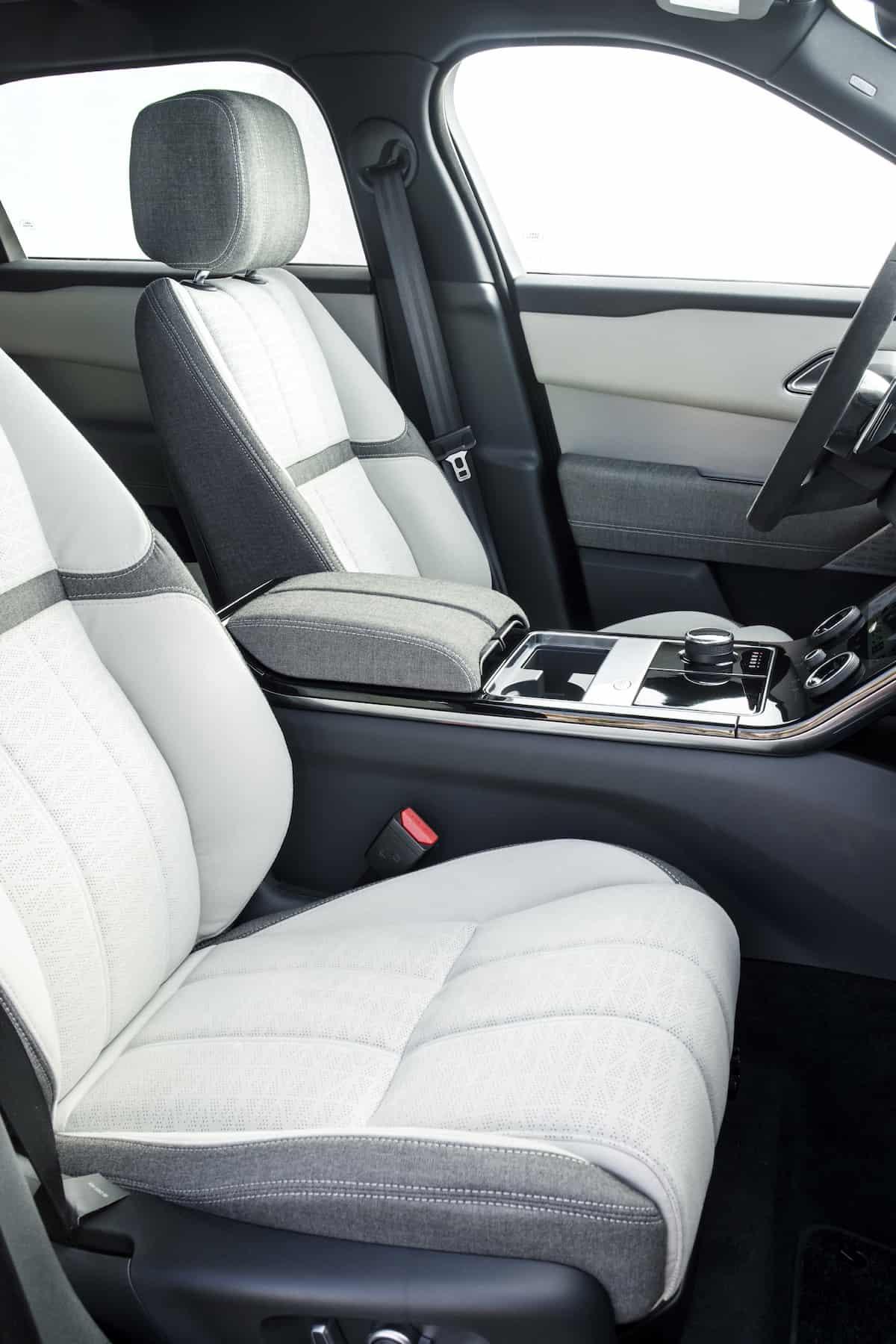 2018 range rover velar review interior2