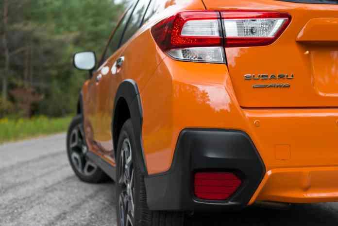 2018 subaru crosstrek review rear taillight