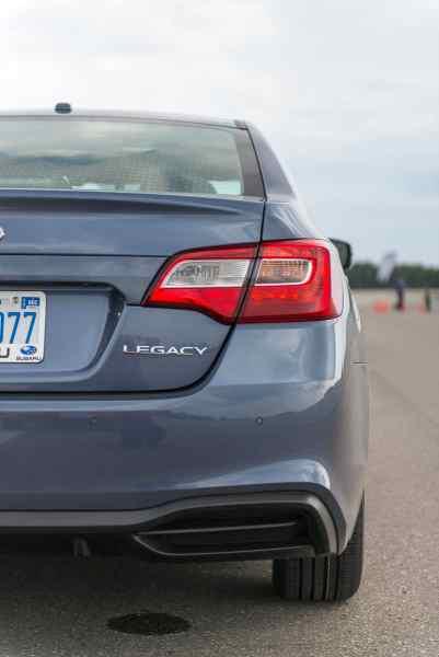 2018 Subaru Legacy Review rear taillight