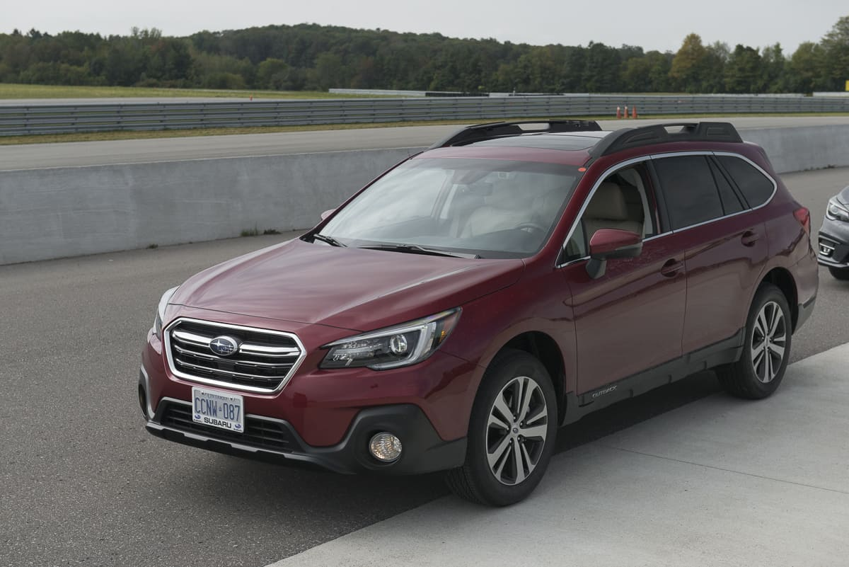 2018 subaru outback review first drive a refresh with major updates. Black Bedroom Furniture Sets. Home Design Ideas