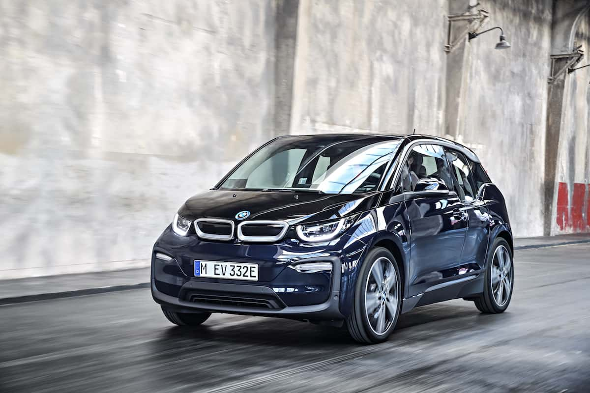 2017 BMW i3 Review blue rolling front inside
