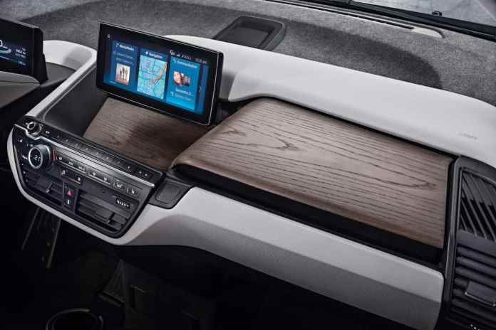2017 BMW i3 Review interior front dash