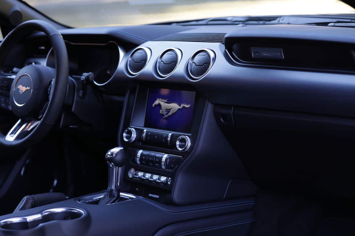 2018 ford mustang gt review interior dash
