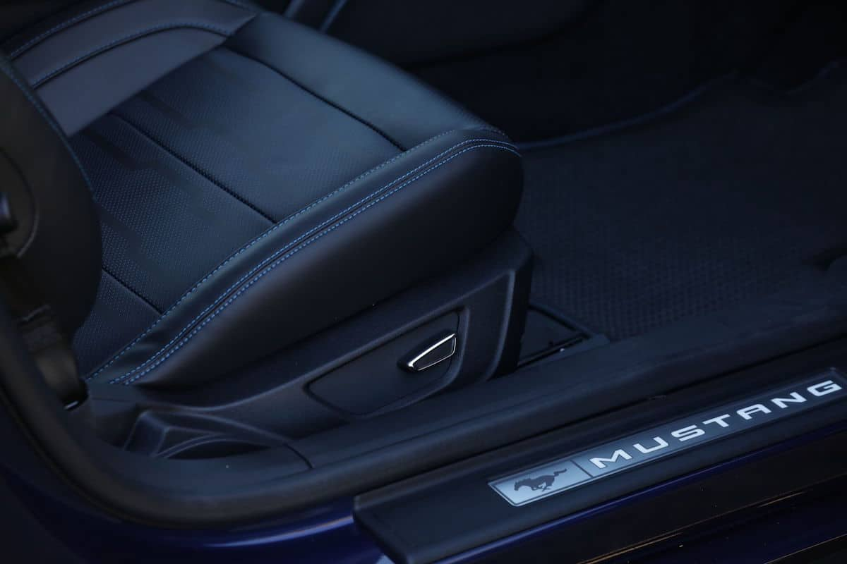 2018 ford mustang gt review seat