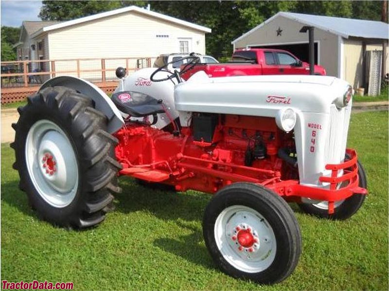 TractorDatacom Ford 640 tractor photos information
