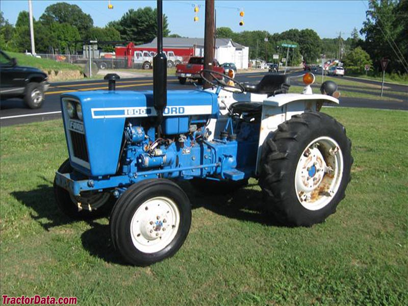 TractorDatacom Ford 1600 tractor photos information