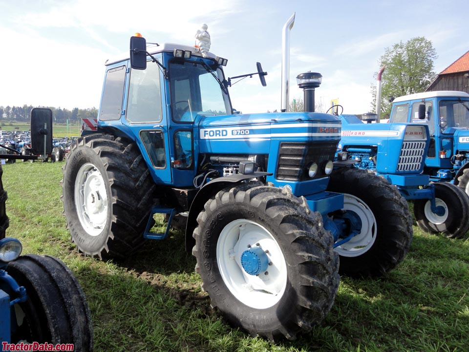TractorDatacom Ford 9700 tractor photos information