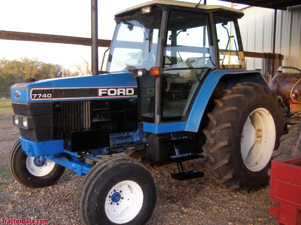 TractorDatacom Ford 7740 tractor photos information