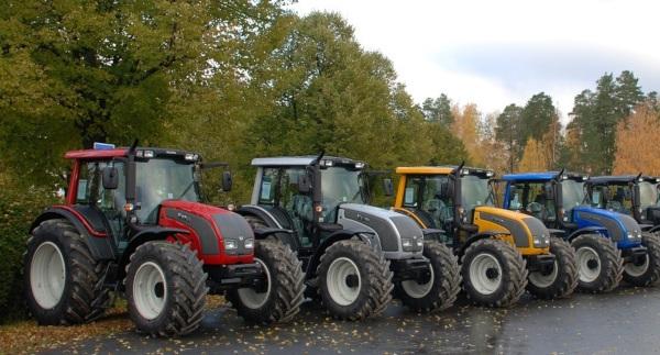 Diferentes modelos de tractores Valtra