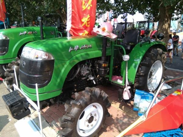 Tractores falsos chinos
