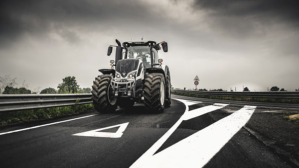 Tractor Valtra S294