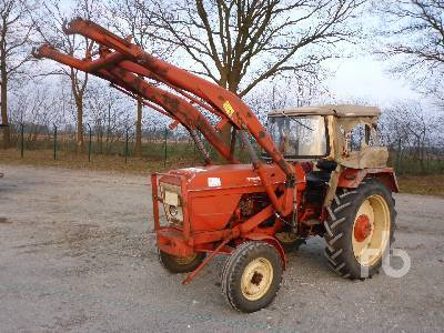 Tractor Renault 88 con pala