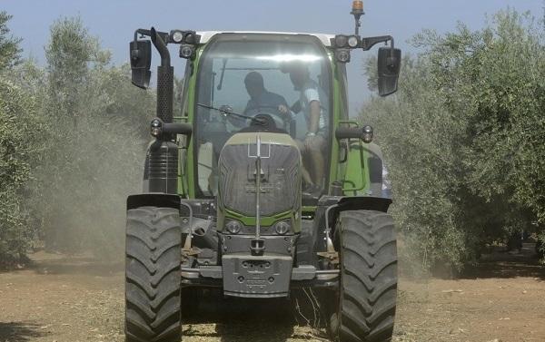 Tractor Fendt 300 Vario