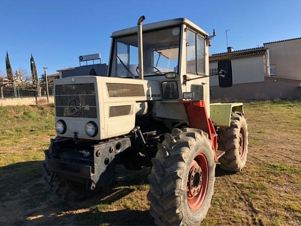 Tractor Mercedes con chasis 443