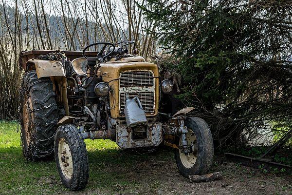 Uno de los primeros tractores Ursus