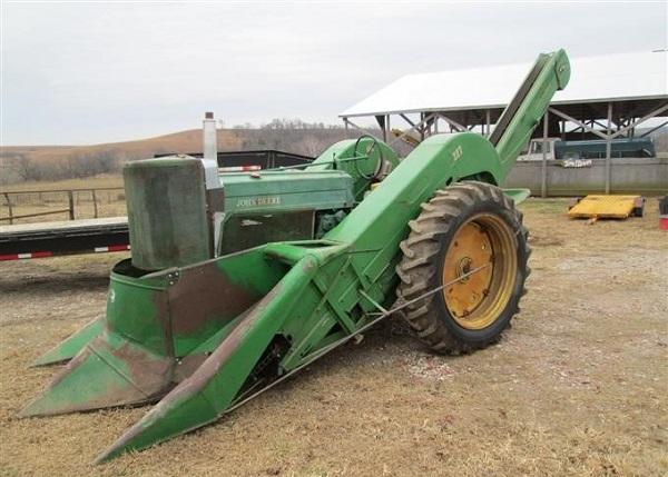 John Deere 630 W/227, cosechadora de maíz