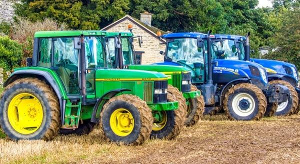 Tractores John Deere y New Holland