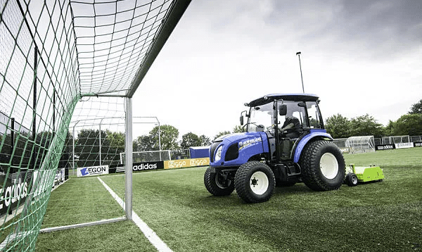 Tractor New Holland Boomer