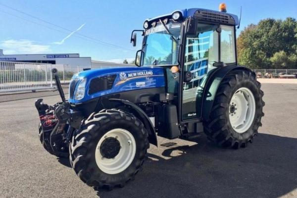 New Holland,T4.105 F. Tractor estrecho de simple tracción