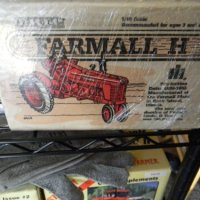 1/16 International Harvester Farmall H Collectors Editon Toy Tractor #414