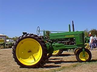 Antique John Deere Tractor JD Model B