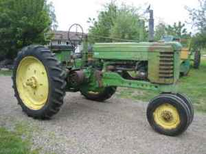 Used Farm Tractors for Sale: John Deere B 1952 (20100512